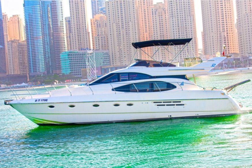 52ft Yacht Cruise